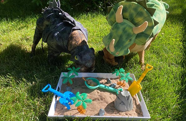 diy dino discovery box for kids