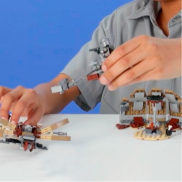 LEGO Star Wars: The Mandalorian Trouble on Tatooine