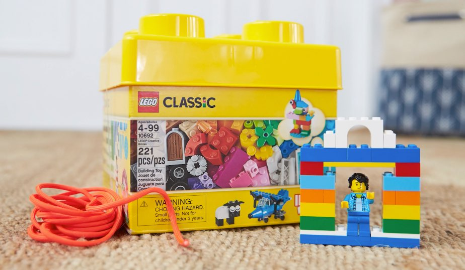 LEGO classic bricks 10692, cord and minifigure