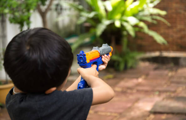 all-out backyard blaster battles