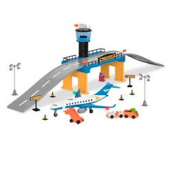 playsets & racetracks image