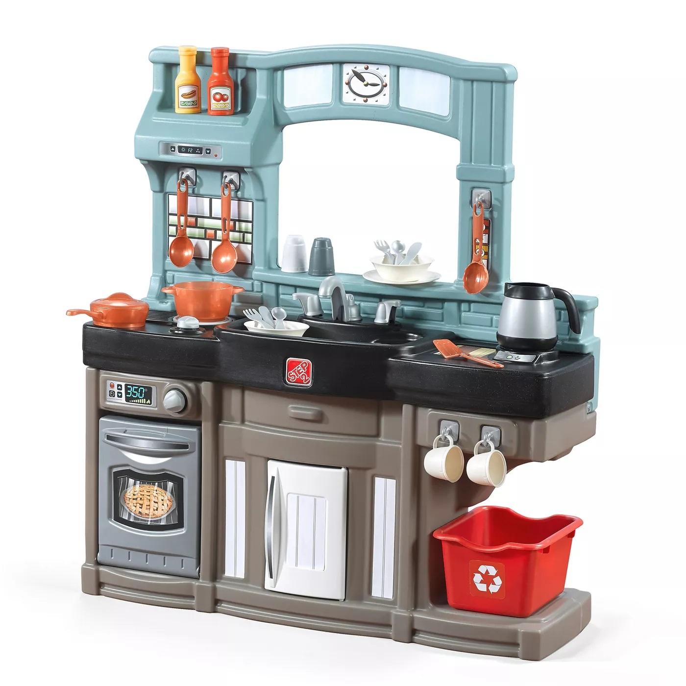 kitchens, play food & workshops image